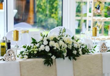Kwiatowe dekoracje weselne