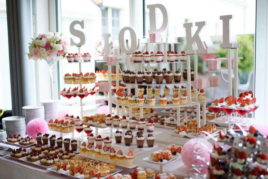 Jakie słodkości wybrać na przyjęcie weselne?
